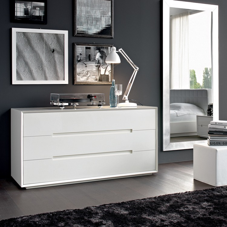 Kleiderhaus fitted bedrooms and fitted wardrobes london for White gloss bedroom furniture