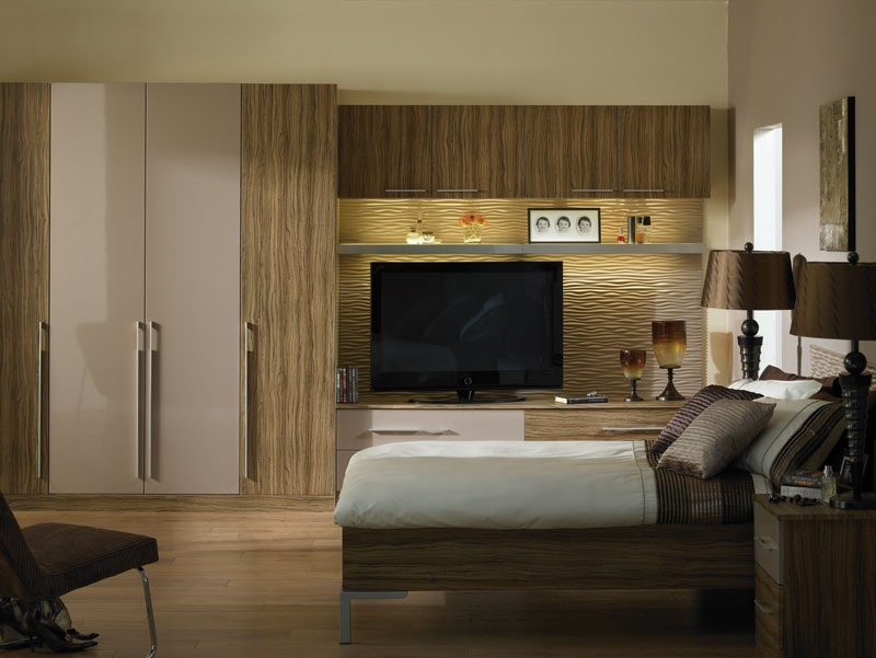 Kleiderhaus fitted furniture wardrobes and sliding doors for Fitted bedroom furniture